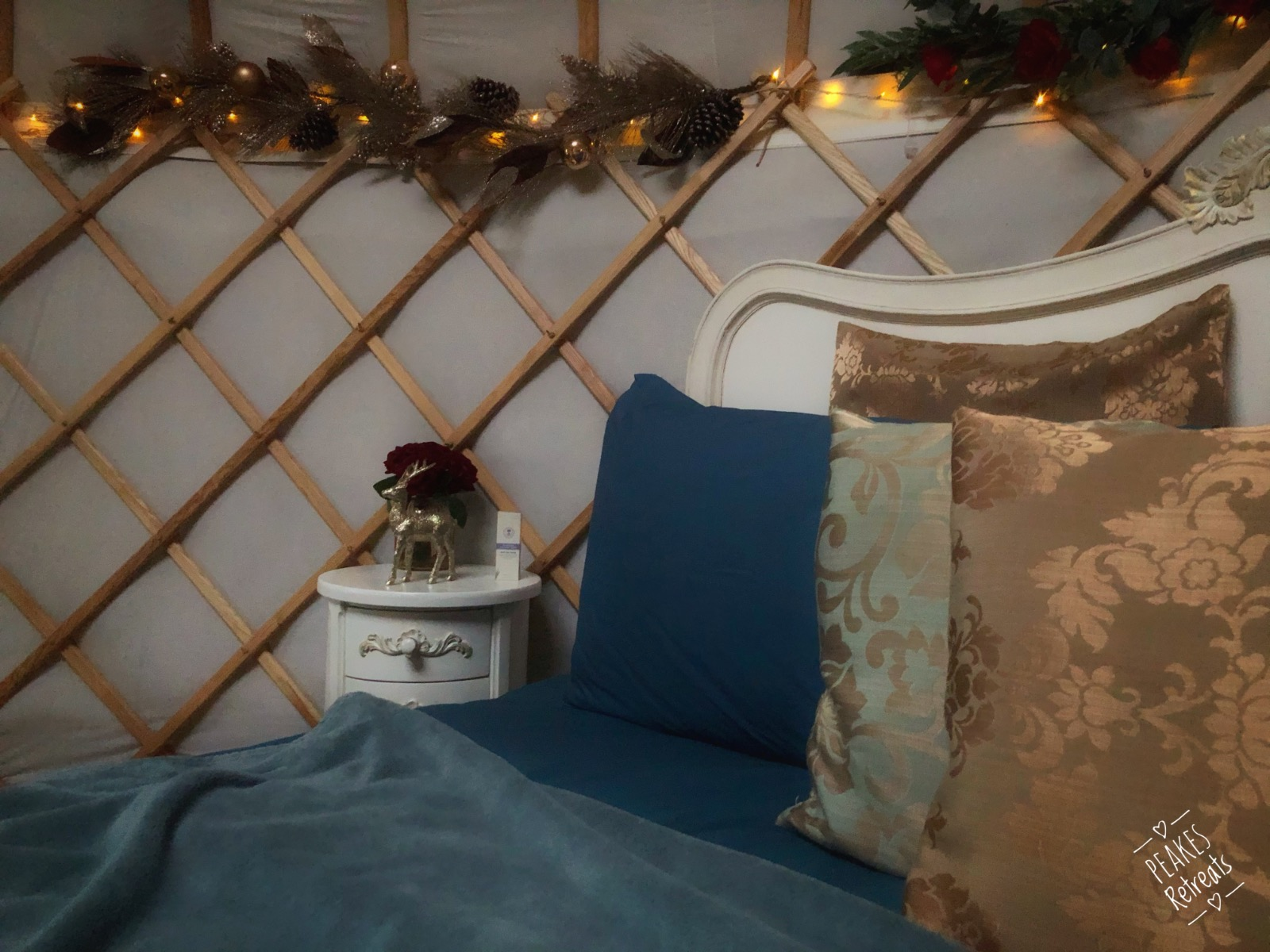 Glamping yurt romantic interior
