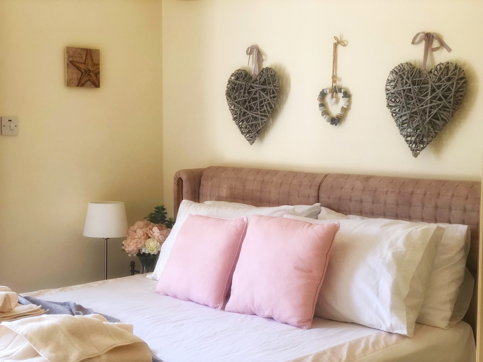 Pretty, shabby chic, comfy kingsize bed in holiday apartment north cyprus